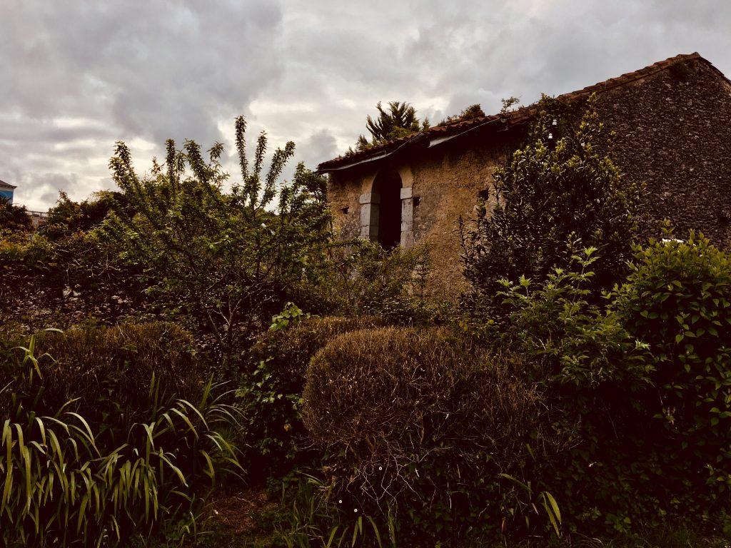 Casa abandonada en Colombres
